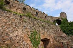 Ruiny kasztel na wzgórzu Chojnik blisko Jelenia GÃ ³ akademii królewskich zdjęcie stock