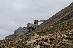 Ruiny kopalnia węgla w Longyearbyen Obrazy Stock