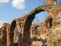 Ruiny Krevsky kędziorek cegła biel odosobniony czerwony Białoruś Obraz Royalty Free