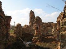 Ruiny Krevsky kędziorek cegła biel odosobniony czerwony Białoruś Obraz Stock