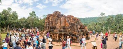 Ruiny Mój syna sanktuarium kompleks, stare Hinduskie świątynie w Wietnamskiej dżungli: Ruiny surowo uszkadzali podczas Fotografia Royalty Free