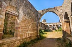 Ruiny pałac w Halvad miasteczku w Gujarat obrazy stock