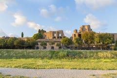 Ruiny palatynu muzeum na palatynu wzgórza widoku od Cyrkowego Maximus zdjęcia stock