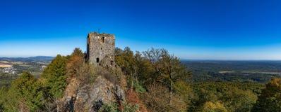 Ruiny Ralsko kasztel w jesień czasie obraz royalty free