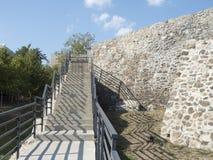 Ruiny średniowieczny forteca w Drobeta Turnu Severin Obrazy Stock