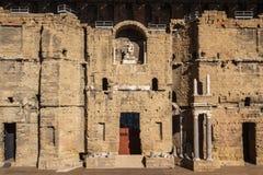 Ruiny Romański teatr w pomarańcze zdjęcia royalty free