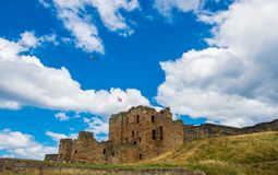 Ruiny Tynemouth Priory Średniowieczny kasztel i, popularny vis obraz stock
