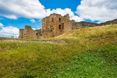 Ruiny Tynemouth Priory Średniowieczny kasztel i, popularny vis fotografia stock