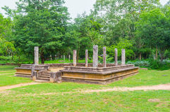 Ruiny w parku fotografia royalty free