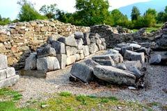 Ruiny w Ulpia Traiana Augusta Dacica Sarmizegetusa Obrazy Stock