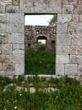 Ruiny w wiośnie Obrazy Stock