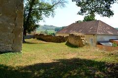 ruiny Warowny średniowieczny saxon kościół w Toarcla-Tartlau, Transylvania, Rumunia obraz royalty free