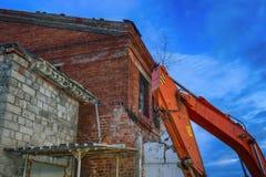 Ruiny zniszczony budynek w mieście fotografia royalty free