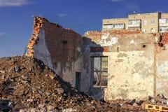 Ruiny zniszczony budynek w mie?cie obraz royalty free