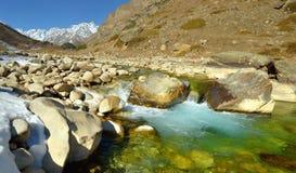Ruisseau en montagnes Photographie stock
