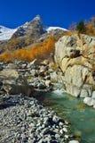 Ruisseau vert photos stock