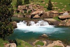 Ruisselets et cascades dans l'Espagnol Pyrénées Photo libre de droits