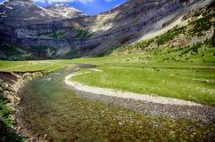 Ruisselets et cascades dans l'Espagnol Pyrénées Photographie stock
