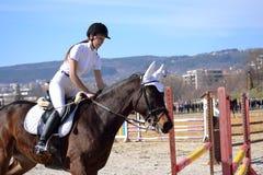 Ruiter jonge vrouw Varna Bulgarije royalty-vrije stock afbeelding