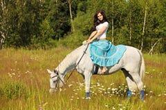 Ruiter op een paard royalty-vrije stock foto's