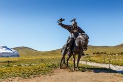 Ruiterstandbeelden van strijders van Genghis Khan stock foto's