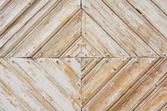 Ruitpatroon van de oude doorstane wit-geschilderde houten poort Royalty-vrije Stock Foto