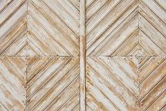 Ruitpatroon van de oude doorstane witte geschilderde houten poort Royalty-vrije Stock Afbeeldingen