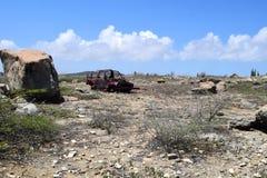 Rujnujący dżip kropkuje krajobraz Aruba pustynia Zdjęcia Royalty Free