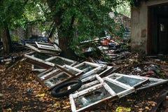 Rujnujący dom, może używać jako konsekwencje wojna, trzęsienie ziemi, huragan lub inna katastrofa naturalna, Zdjęcie Royalty Free