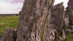 Rujnujący dom na krajobrazie zdjęcie wideo