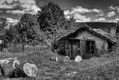 Rujnujący domowy somehere w Bułgaria Zdjęcia Stock
