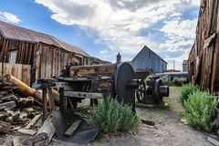 Rujnujący domy w Amerykańskim miasto widmo Fotografia Stock