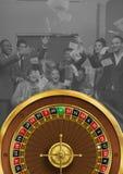Ruletowy koło z grupy ludzi odświętnością zdjęcia stock
