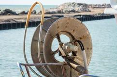 Rulla för att hissa netto fiske Royaltyfri Foto