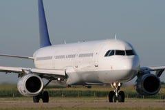 Rullaggio dell'aeroplano del jet Fotografia Stock