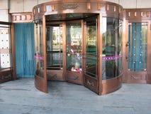 Rullande dörr i hotell Royaltyfri Fotografi