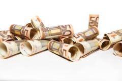 Rullande 50 euroanmärkningar Arkivfoton