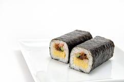 Rullande sushi Arkivfoto