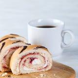 Rullar för kaffekopp och gelé Royaltyfri Bild