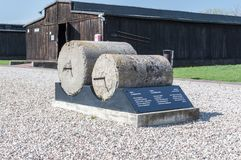 Rullar för leavelling vägar i den Majdanek Nazi German koncentrationsläger Royaltyfri Fotografi