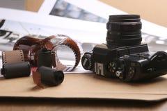 Rullar, kassetter och kamera för fotografisk film Arkivfoto