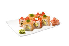 rullar med den tofu-, gurka- och flygfiskfiskromen Royaltyfri Fotografi