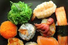 rullar olika sushi Royaltyfri Fotografi