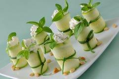 rullar zucchinien Royaltyfria Bilder