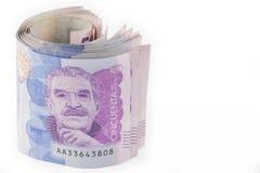 Rulle av femtio tusen räkningar för colombianska Pesos Arkivfoto