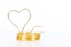 Rulle grejar tråd med formad hjärta Royaltyfri Foto