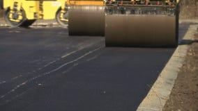 Rulli dell'asfalto sul lavoro archivi video