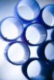 Rullo blu dei capelli in studio Immagini Stock Libere da Diritti