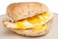 Rullo dell'uovo fritto immagine stock libera da diritti