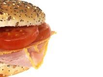 Rullo di pane del pomodoro e del prosciutto immagini stock libere da diritti